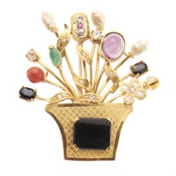 18kt yellow gold, onyx and coloured gemstone brooch